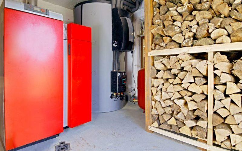 Klimaneutral heizen mit Holz